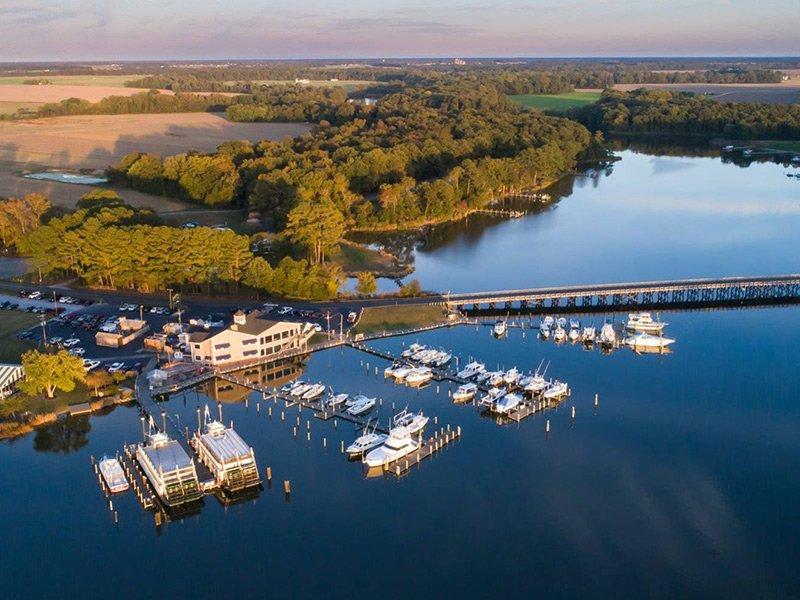 Suicide Bridge Restaurant & Marina - Photo by Bill Whaley
